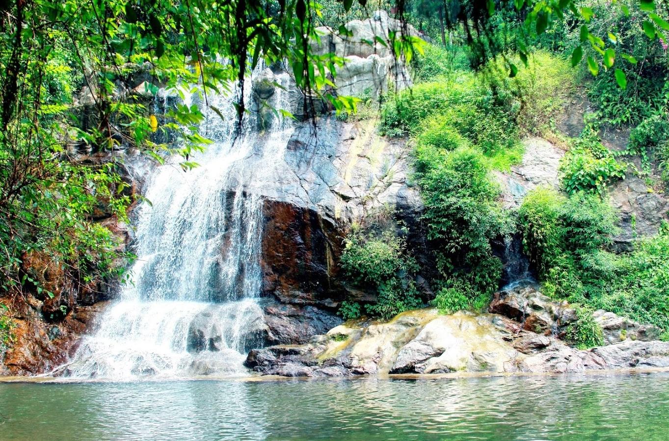Ao Vua – địa điểm du lịch thích thú của nhiều du khách